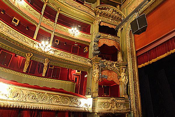 Th tre du gymnase rideaux pour th tres historiques - Plan salle theatre porte saint martin ...