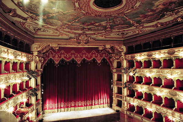 Teatro Grande Curtains For Historical Theaters Peroni